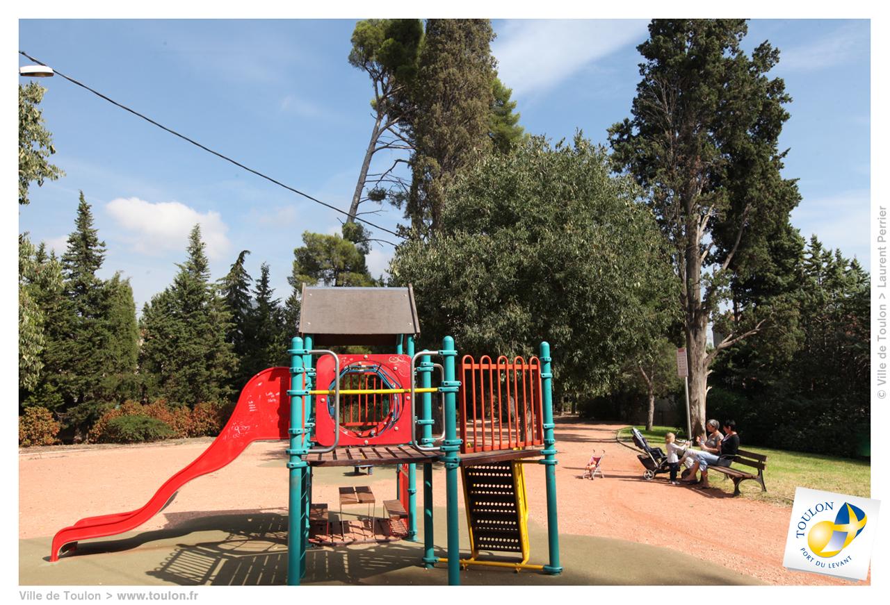 aires de jeux pour enfants site officiel de la ville de toulon. Black Bedroom Furniture Sets. Home Design Ideas