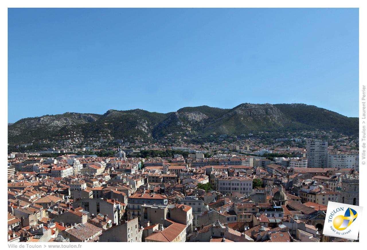 Le mont faron site officiel de la ville de toulon for Piscine toulon