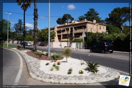 Jardinières avenue de la Résistance
